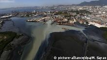 epa04349826 Aereal view of Fundao island in Guanabara bay, which surrounds the north and south part of Rio de Janeiro, Brazil, 11 August 2014. This area, which is suffering high levels of contamitation due to spilled sewage and sedimentation process, will host sailing competitions at the 2016 Olympic Games. EPA/MARCELO SAYAO +++(c) dpa - Bildfunk+++