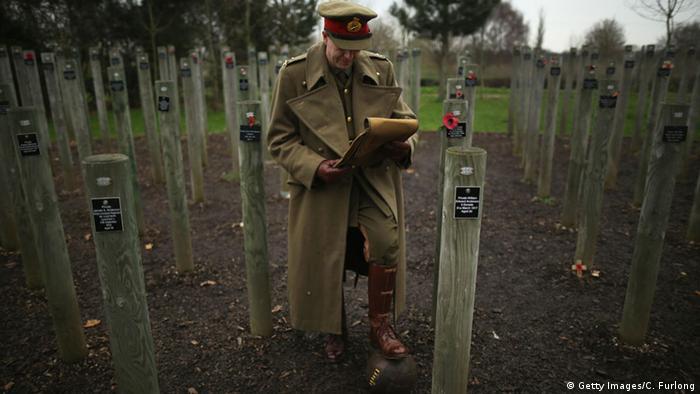 Am 4. Dezember 2014 las der Historiker Paul Thompson, verkleidet als General Walter Congreve in Flandern aus dessen Briefen über den Weihnachtsfrieden von 1914
