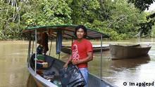 Kichwa-Indigener im Yasuni Nationalpark im ecuadorianischen Amazonasdschungel