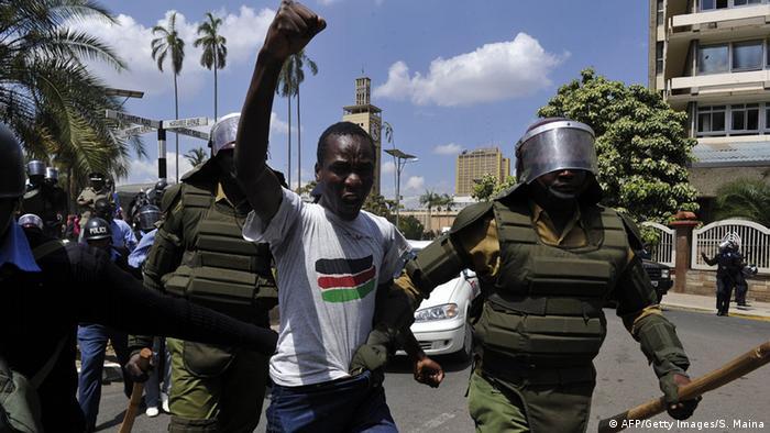 Kenianisches Parlament debattiert über neues Sicherheitsgesetz - Protest