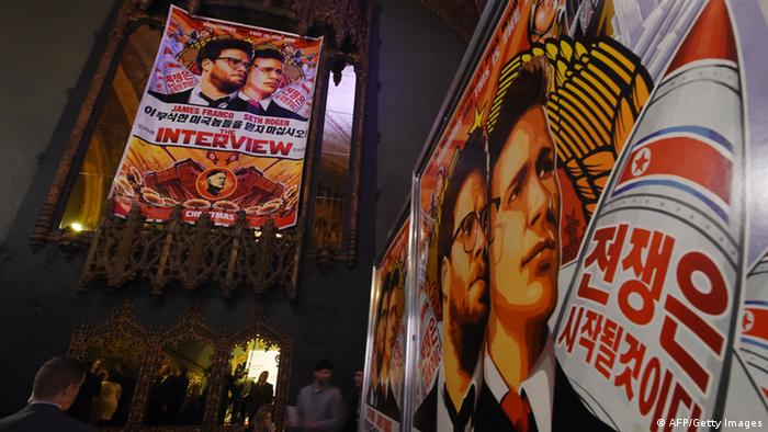 Filmplakate für die Satire über Nordkoreas Staatschef Kim The Interview (foto: Getty images)