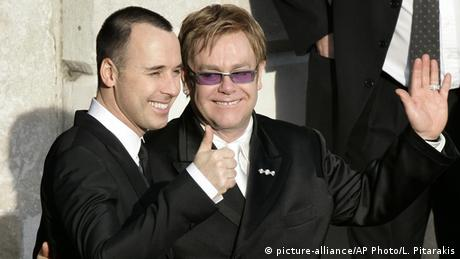 Elton John und Lebenspartner David Furnish ARCHIV 2005