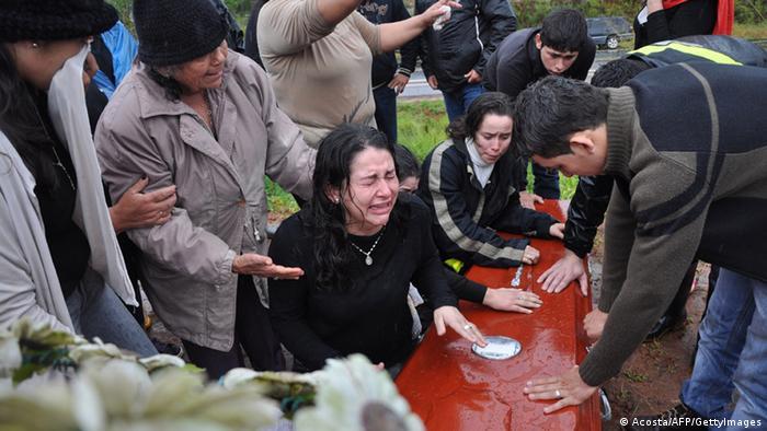 Familiares de un campesino que murió en Curuguaty, en junio de 2012.