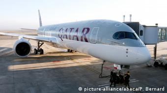 Airbus - A350 wird an Qatar Airways ausgeliefert (picture-alliance/abaca/P. Bernard)