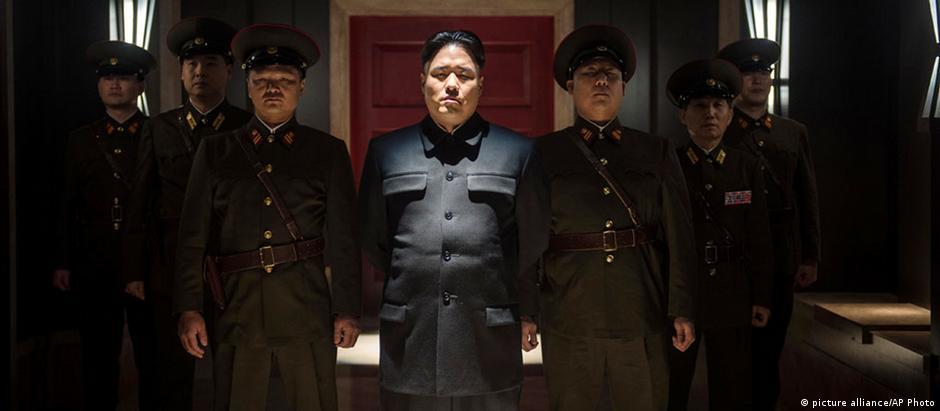 Filme conta a história de um complô para matar o ditador Kim Jong-un, interpretado pelo ator Randall Park