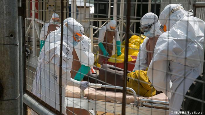 Британські лікарі приймають нових інфікованих на Еболу в Сьєрра-Леоне