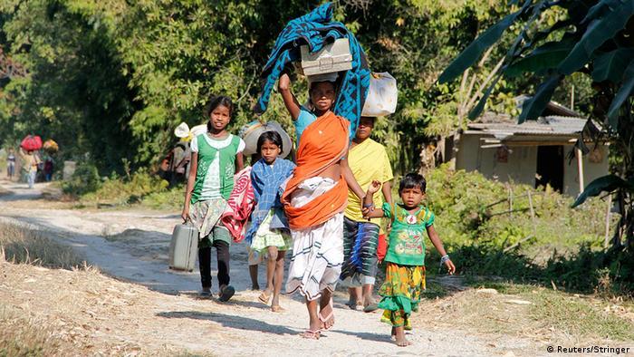 Indien Assam Flüchtlinge 24.12. ethnische Auseinandersetzung Angriffe (Reuters/Stringer)