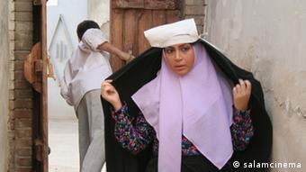 نمایی از فیلم خانه پدری اثر توقیف شده کیانوش عیاری