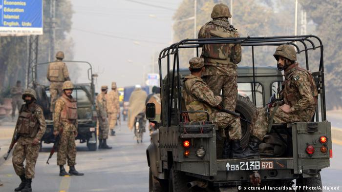 Pakistani soldiers (picture-alliance/dpa/AFP Photo/A.Majeed)