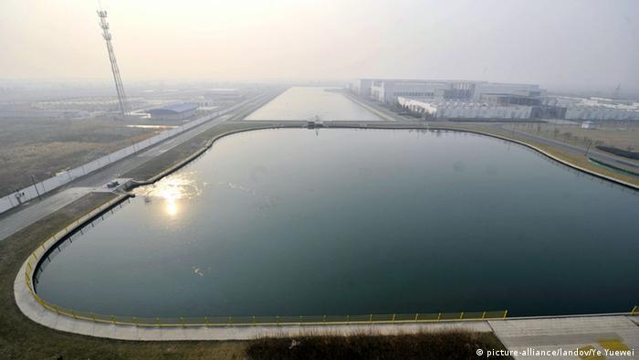 Wasser aus dem Yangtse in einem Wasserwerk in Tianjin (Foto: picture-alliance/landov/Ye Yuewei)