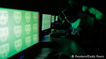 Symbolbild Computer Hacker