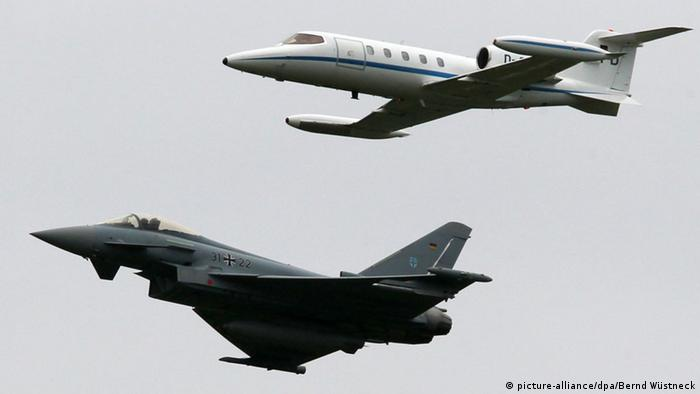 Eurofighter und Learjet 24.05.2011