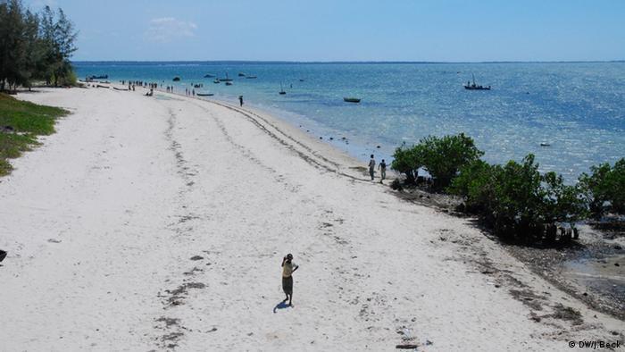 Praia no lado continental da Ilha de Moçambique