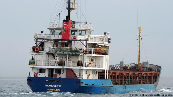 Der Frachter Blue Sky M