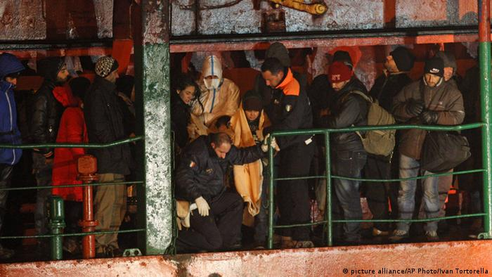 Italy, Gallipoli, migrants rescued from Blue Sky M 31.12.2014