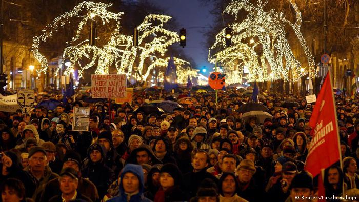 Ungarn Proteste gegen Orban 2.1.2015