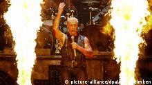 Till Lindemann, Sänger der Band Rammstein steht beim Wacken Open-Air Festival (WOA) am 01.08.2013 im schleswig-holsteinischen Wacken auf der Bühne. Noch bis zum Wochenende werden mehr 75.000 Heavy-Metal Fans in der 1.800-Seelen-Gemeinde erwartet. Foto: Axel Heimken/dpa +++(c) dpa - Bildfunk+++