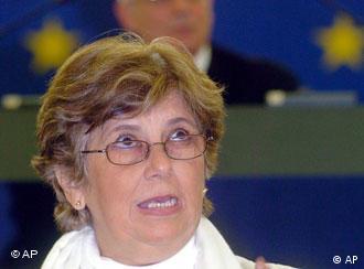 La disidente cubana exiliada Blanca Reyes hoy en el Parlamento Europeo.