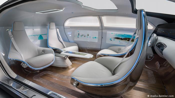 Mercedes Benz automatisch fahrendes Auto selbstfahrendes Auto F015