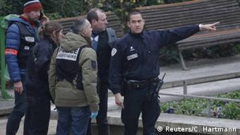 Polisi watembelea eneo lililoshambuliwa mjini Paris