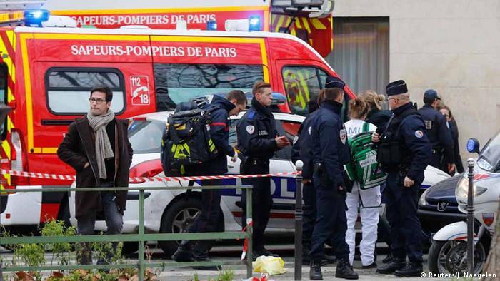 Французские полицейские на месте преступления