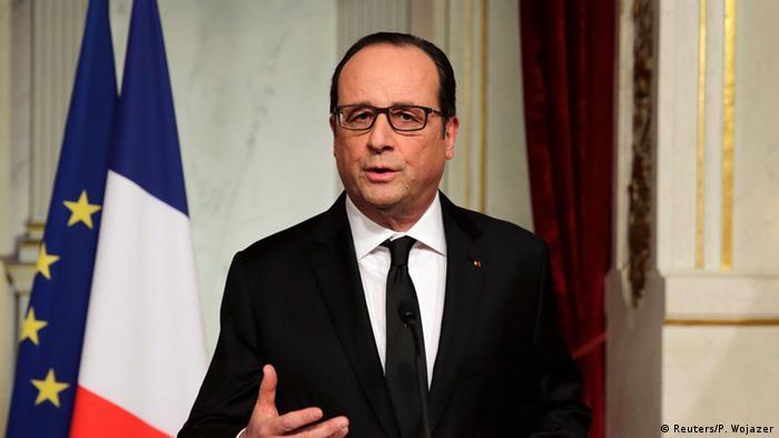 Francois Hollande bei einer Fernsehansprache (Foto: Reuters/P. Wojazer)