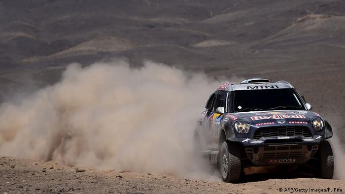 Dakar Rally 07.01.2015 (Photo credit should read FRANCK FIFE/AFP/Getty Images)