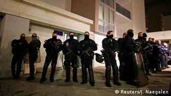 Frankreich Anschlag auf Charlie Hebdo - Polizeiaktion in Reims (Foto: REUTERS/Jacky Naegelen)
