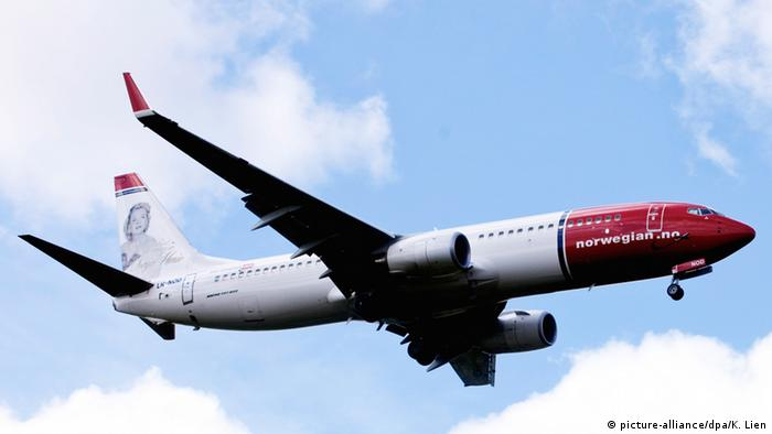 Norwegian Air - Flugzeug (picture-alliance/dpa/K. Lien)