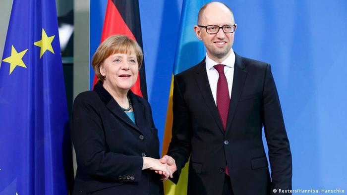 Der ukrainische Regierungschef Jazenjuk heute bei Kanzlerin Merkel in Berlin (Foto: rtr)