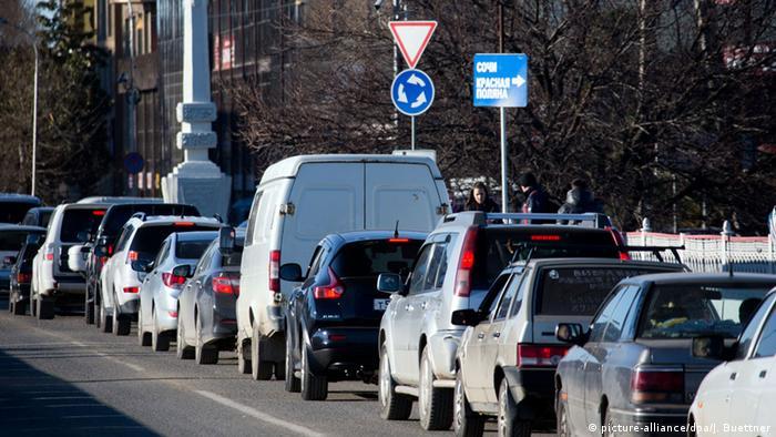 Машины на улицах Сочи