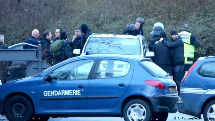 Frankreich Anschlag auf Charlie Hebdo Fahndung Polizei Dammartin-en-Goele