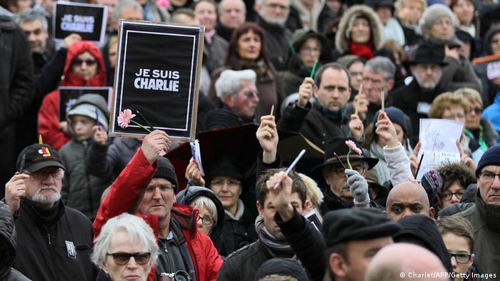Frankreich Caen Gedenken Redaktion Charlie Hebdo 10.01.2015