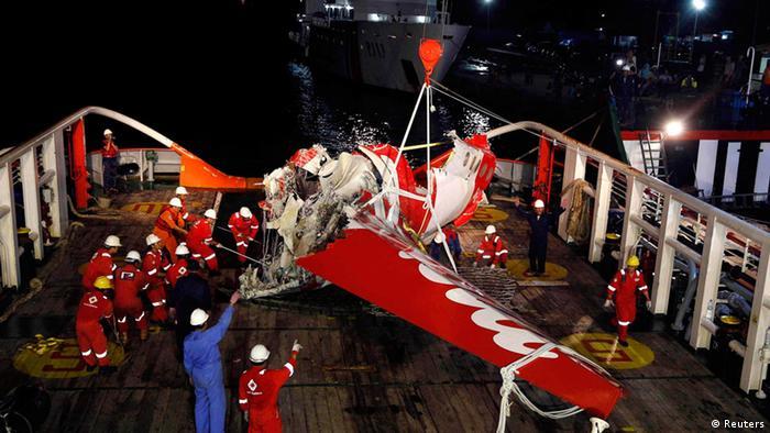 Heck des abgestürzten AirAsia Flugzeug