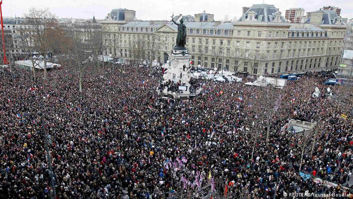 راهپیمایی در میدان جمهوری پاریس