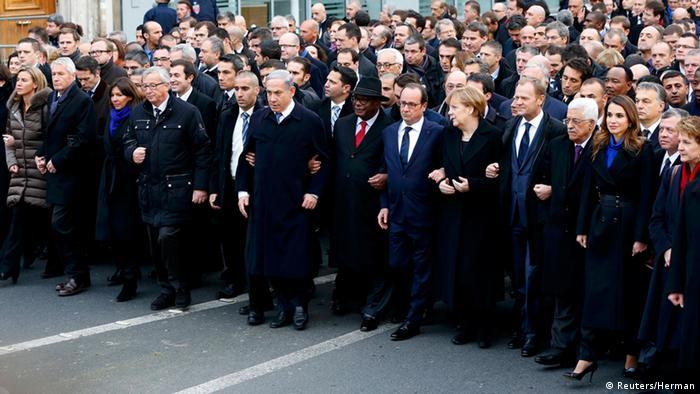 Staats und Regierungschefs auf dem Marsch (Foto: Reuters)