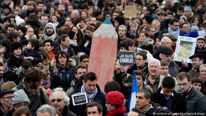 Gedenkveranstaltung zu den Anschlägen Paris in London (Foto: dpa)