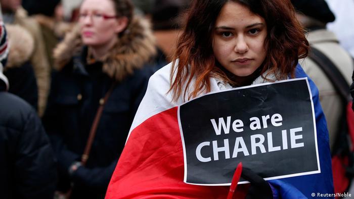 Gedenkveranstaltung zu Anschlägen in Paris in Liverpool 11.1.2015 (Reuters/Noble)