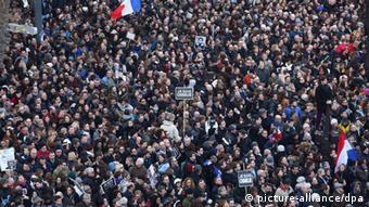 Gedenkmarsch in Paris (Foto: AFP)