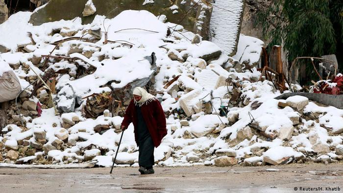 Wintereinbruch im zerstörten Aleppo, Syrien.