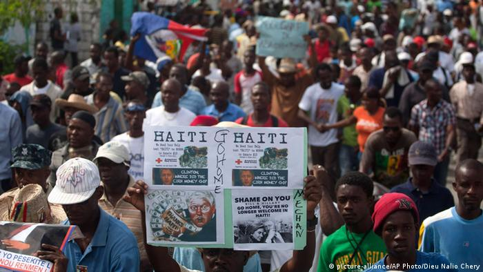 Protest gegen Präsdient Michel Martelly in Port-au-Prince (Foto: AP)