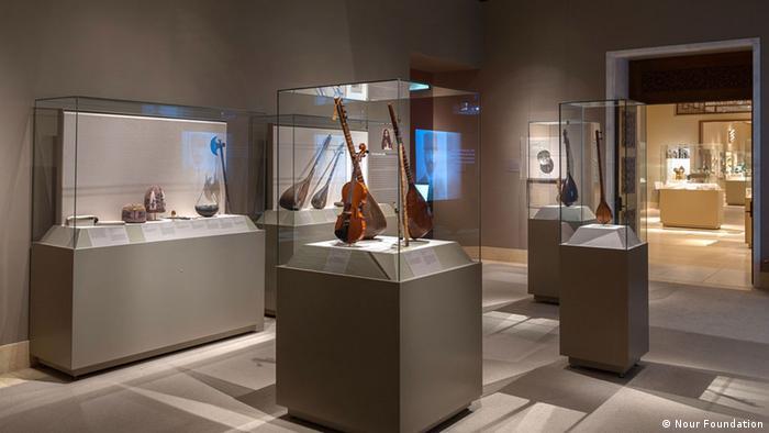 چند نوع ساز زهی در نمایشگاه موزه متروپولیتن نیویورک