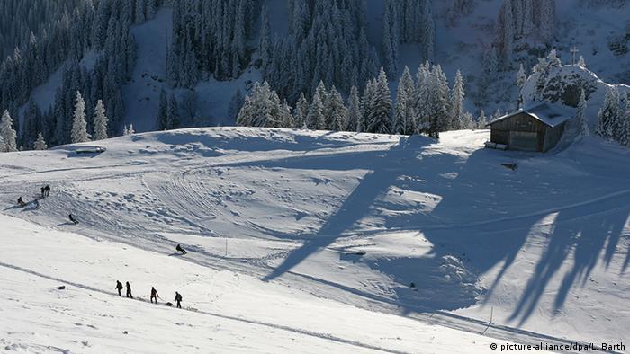 Deutschland Wintersport Wintersportgebiet Schlittenfahrt am Tegernsee