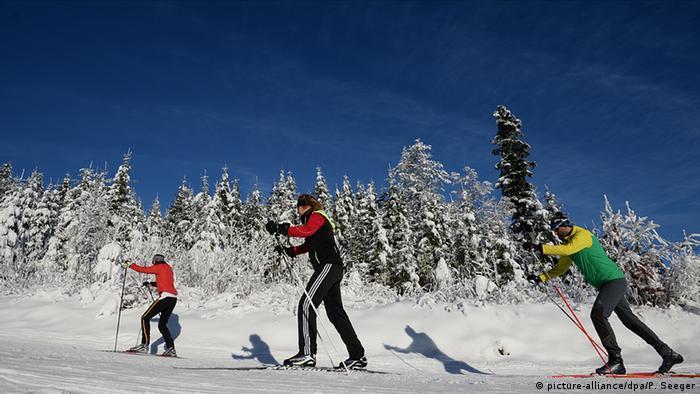 Deutschland Wintersport Wintersportgebiet Winterwetter im Schwarzwald