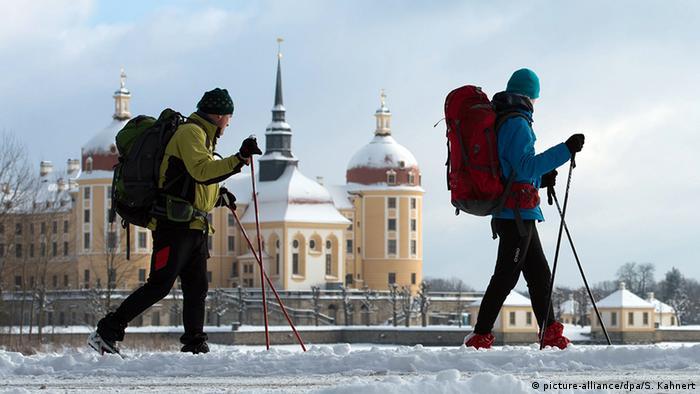 Deutschland Wintersport Wintersportgebiet Schnee in Sachsen