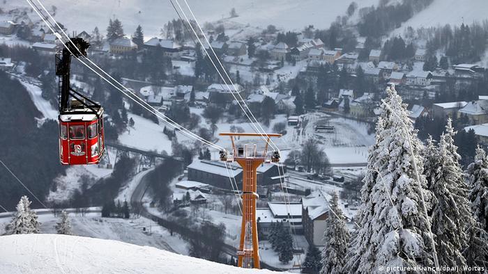Deutschland Wintersport Wintersportgebiet Erzgebirge