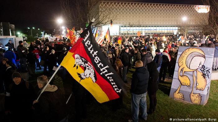 Pegida-Demonstranten am 12.Januar in Dresden (Foto:dpa)