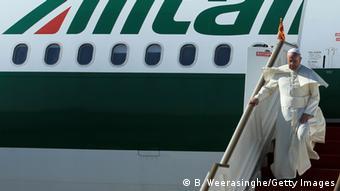 Ο Πάπας ταξιδεύει με Alitalia