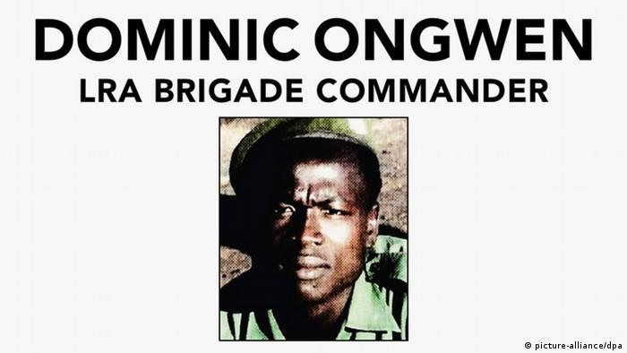 AUSSCHNITT Internationaler Strafgerichtshof Fahndungsplakat Dominic Ongwen