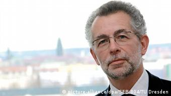 Djavascript:;er Dresdner Politikwissenschaftler Vorländer (Foto: TU Dresden)